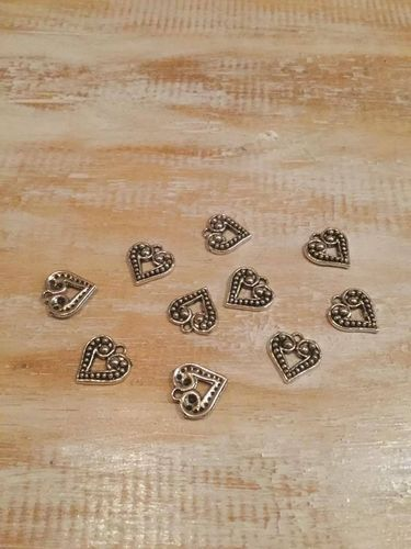 Heart Charms x 10 A Pack