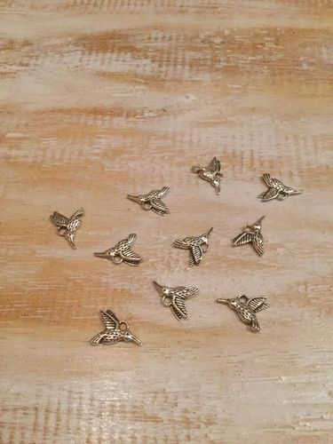Humming Bird Charms x 10 A Pack
