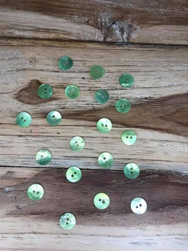 20 Green Dyed Mother of Pearl Buttons