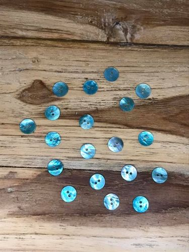 20 Turquoise Dyed Mother of Pearl Buttons