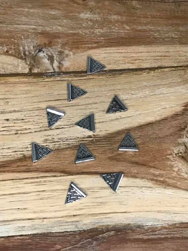 10 Silver Plated Bunting Triangle Shaped Acrylic Beads