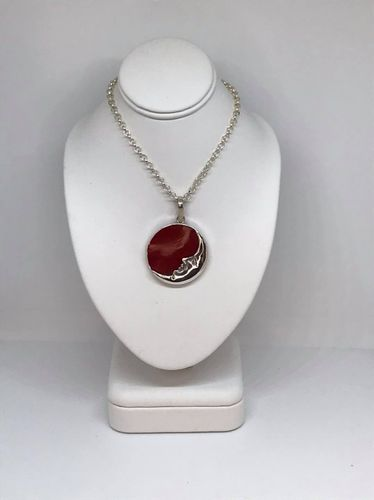Coral Round Moon 925 Silver Pendant