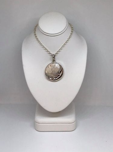 Mother Of Pearl Round Moon 925 Silver Pendant